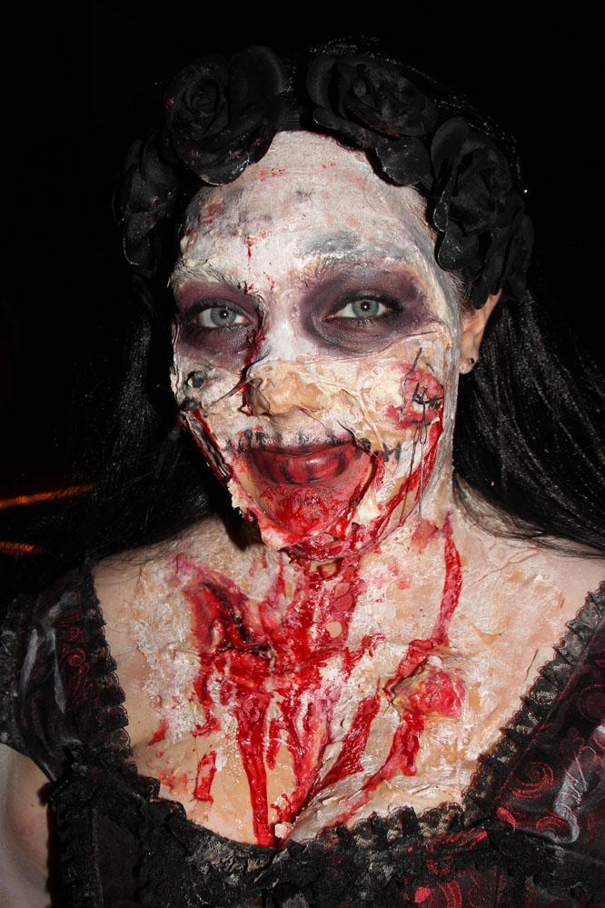 Mit viel Aufwand verkleiden sich Halloween-Anhänger nur für eine Nacht...